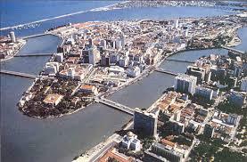 Recife cortado pelo rio capibaribe