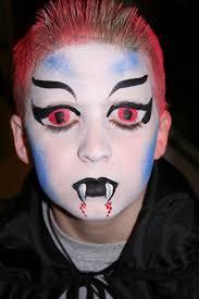 skull make up brush holder nbk4mge46b1st8cb5o3 1280 tips clic vire