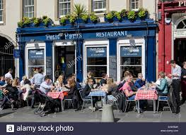 outside of a french restaurant. Modren Outside Diners Eating Outside The U0027Petit Parisu0027 French Restaurant In  Grassmarket Edinburgh For Outside Of A Restaurant Alamy