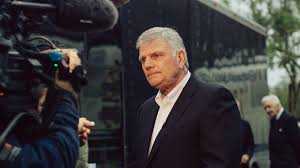 franklin graham s uneasy alliance with donald trump