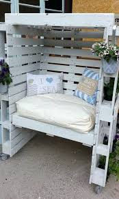 there is plenty to show when it comes patio furniture made out of wood pallets outdoor