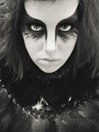 a great idea for raven costume eye makeup apply this simple design for a crow