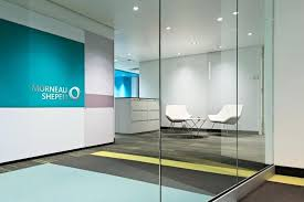 office lobby decor. Modern Office Lobby Decor Ideas Using Clear Glass Divider And White Chairs Stylish .