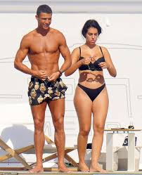Cristiano Ronaldo and girlfriend Georgina Rodriguez enjoy a swim in St  Tropez – ReadSector