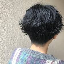 Guest Snap くせ毛を生かした 刈り上げショート 少し濡れてる髪に