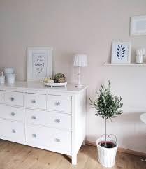 Schlafzimmer Kommode Dekorieren Reflektor Blumenvase For Deko