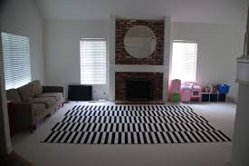 Lisa Moves: small, cozy space vs the cavernous room with no furniture