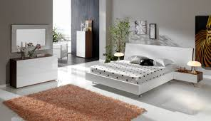 Black modern bedroom sets Black Lacquer Black Contemporary Bedroom Set Best Modern Bedrooms Modern Bedroom Furniture Sets Blind Robin Bedroom Black Contemporary Bedroom Set Best Modern Bedrooms Modern