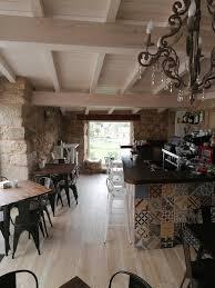 Es gibt hier ein wohnzimmer, ein kinderzimmer, ein schlafzimmer für die eltern, eine küche und ein badezimmer, eine toilette. Carballo De Prado 1900 Vermietungen Pontevedra