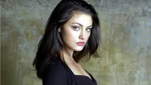 I love Phoebe Tonkin she s an amazing actress TVD Pinterest.