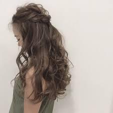 結婚式お呼ばれヘアセット シンプルにハーフアップでまとめてカラー