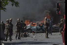 Afghanistan Bomb Blast Outside Kabul Airport Multiple Footage Of Death And  Injured - काबुल ब्लास्ट: दहशत और दर्द की खौफनाक तस्वीरें, कुछ पानी में पड़ी  थी लाशें..तो कुछ जमीन पर खून ...