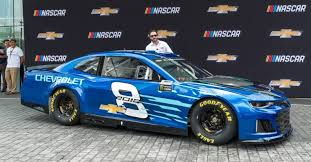 2018 chevrolet nascar. plain nascar johnson with his new ride in 2018 chevrolet nascar h