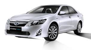 Toyota Camry Hybrid launched in India at Rs. 29.75 lakhs