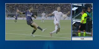 VIDEO / InterTube: il rigore di Inter-Fiorentina da tutte le angolazioni.  Netto il tocco non solo di polpastrello