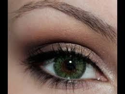 dramatic makeup for green eyes