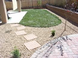 Low Cost Landscape Ideas With Stone Steps White Gravels Hreen