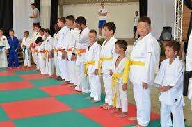 Judo e divertimento, stage alla Grotta del Saraceno con il maestro Gianni  Maddaloni Giovani atleti protagonisti con un insegnante d'eccezione