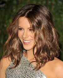 brief to um length wavy hairstyle