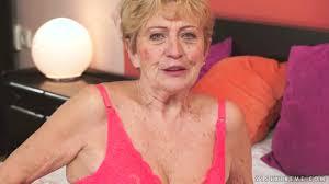 Time worn granny Malya screwed deep in gaping vagina doggystyle