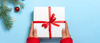On a tendance à offrir des cadeaux pour le bébé à. Made In France 10 Boutiques En Ligne Pour Faire Son Shopping De Noel