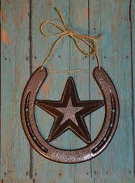 rustic horseshoe wall hanging with star