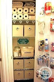 organizing closet shelves how