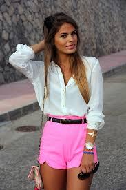 Resultado de imagem para looks rosa com vestidos e shorts