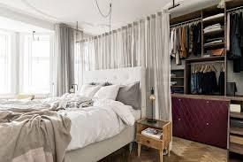 Dieser Begehbare Kleiderschrank Hinter Dem Bett Ist Einzigartig