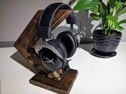 diy modwooden headphone stand