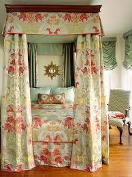10 Small Bedroom Designs | HGTV