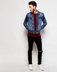 Suka Jaket Denim Levi's? Berikut Ini 10 Jaket Levi's yang Bikin Pria dan Wanita Jadi Makin