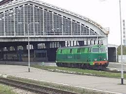 Железнодорожный транспорт в России Википедия Польский тепловоз su45 и польский пассажирский состав на вокзале Калининград Пассажирский