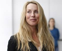 Despite inheriting a fortune now estimated at $14.1 billion following her husband's passing, laurene has kept a relatively low profile. Laurene Powell Jobs Biography Facts Childhood Family Life Achievements Of Businesswoman
