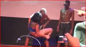 Resultado de imagem para Adolescentes usam droga e fazem sexo no meio da rua em baile funk