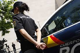 Resultado de imagen de funciones sociales de la policía nacional