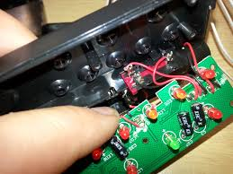 nerd club stompbox guitar tuner stolen idea tom s design was so simple we just had to rip it off use it for our own project he basically just clipped the heads off the leds on the circuit board