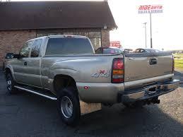Ride Auto: 2004 chevy Silverado Gold