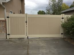 Vinyl fence in Davis County Salt Lake County and Weber County