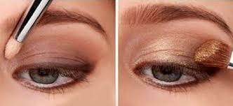 expert with 10 eye makeup tutorials