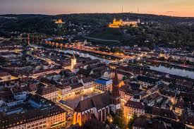 Kommen sie nach würzburg tourismus, rathaus, studium ▷ fast 1.000.000 gästeübernachtungen im jahr entdecken und erleben sie die perle am main jetzt informieren! Drehorte Wurzburg Und Bamberg Filmreif Bayern