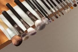 Одним взмахом: лучшие <b>кисти</b> для макияжа