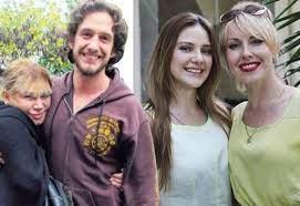 Alina Boz ve Mithat Can Özer annelerini tanıştırdı