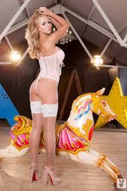 Nude Hannah Elizabeth Showgirl DigHer