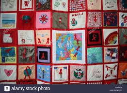 Newcastle upon Tyne, UK. 1st December, 2016. HIV Awareness Quilt ... & Newcastle upon Tyne, UK. 1st December, 2016. HIV Awareness Quilt for World  AIDS Day, DavidWhinham/AlamyLive Credit: David Whinham/Alamy Live News Adamdwight.com