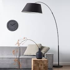 Arc floor lamp in black color