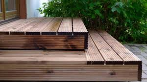 Wooden Deck Idea and Tips