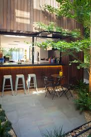 Love this outdoor bar. At a home in Melbourne. Courtesy Better Homes &  Gardens