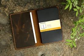 protective fashionable keep your notebook protected in style with this leather zippered journal case measuring 5x8 25in this leather notebook