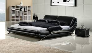 black dominated color of the cool modern king size bed frame that applied on the white brown bedroom furniture brown leather bedroom furniture